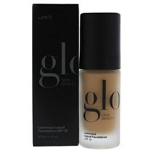 NWT Glo Skin Beauty Foundation 🌟